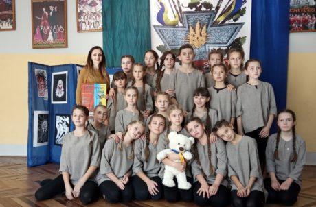 """Студія сучасного танцю """"White fox""""  Гніздичева – лауреати XХ дитячо-юнацького фестивалю мистецтв «Сурми звитяги»"""